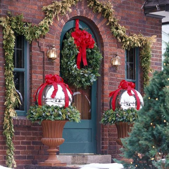 Vánoční dekorace vchodových dveří