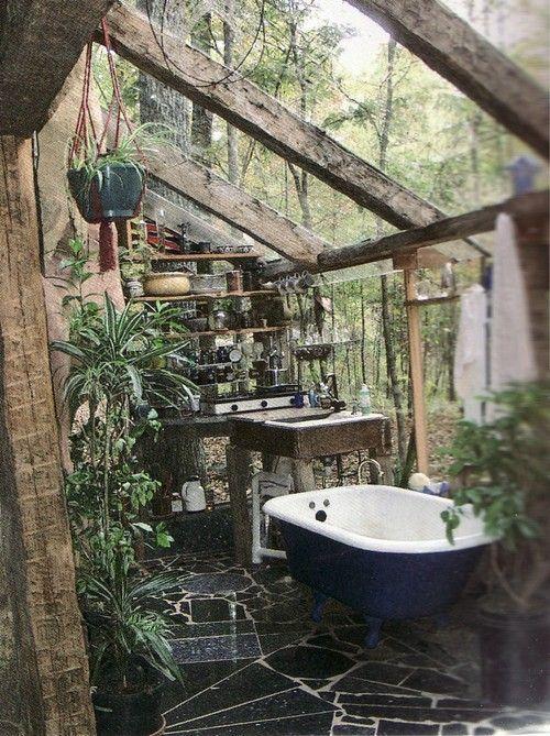 Koupelna spojená se zahradou
